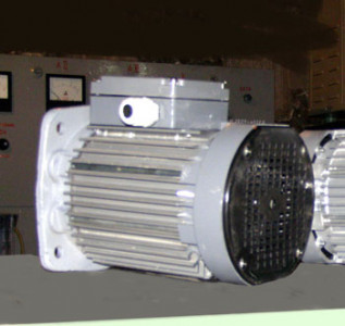 Электродвигатель асинхронный, короткозамкнутый, трехфазный, со встроенным тормозом