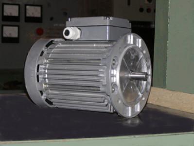 Электродвигатель асинхронный, короткозамкнутый, трехфазный